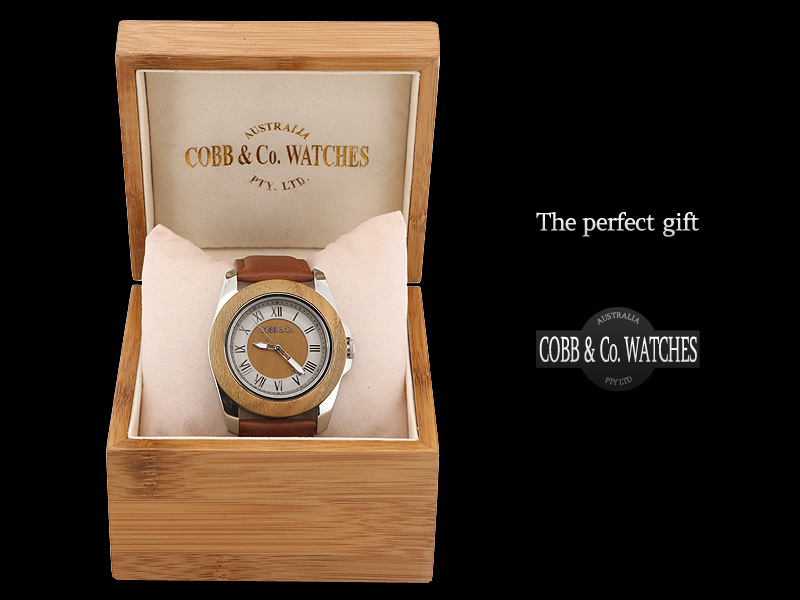 Green Sandalwood wood watch - The perfect gift
